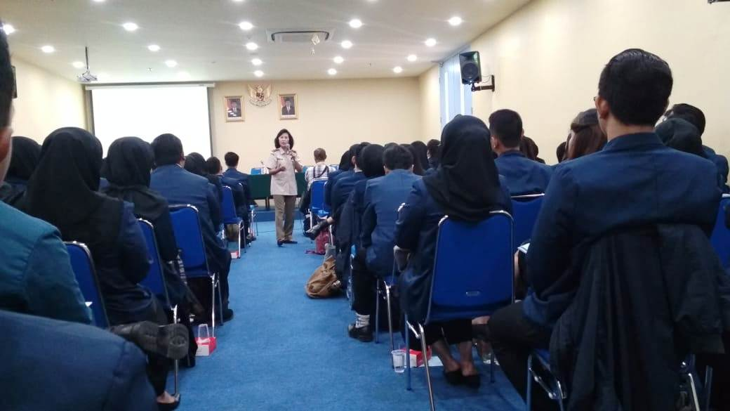 Debriefing Candidates for Veterinarians by Alumni of the Faculty of Veterinary Medicine, Airlangga University