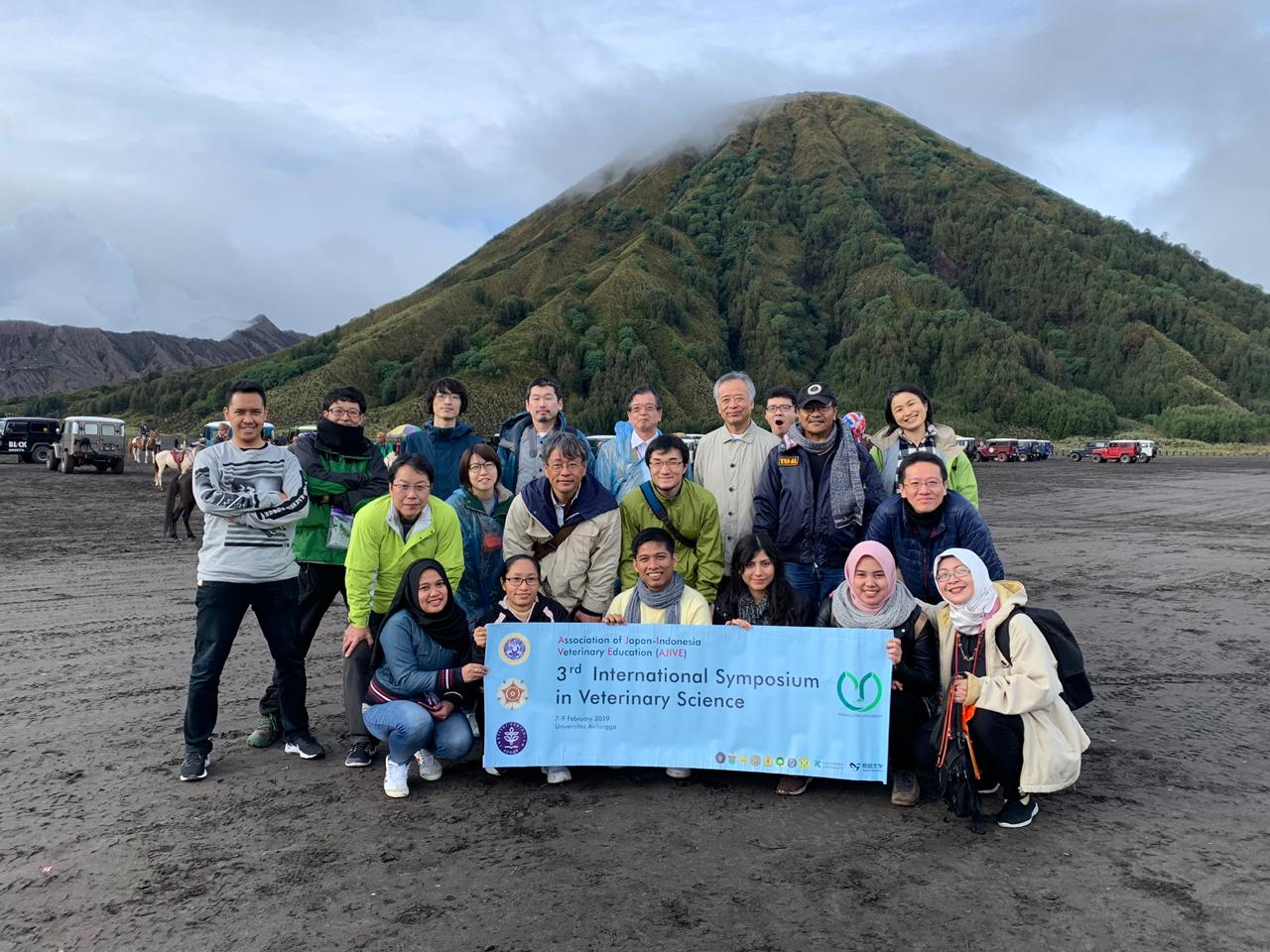 Special Event to Bromo Mountain bersama rombongan FKH UNAIR dan Tamu Association of Japan-Indonesia Veterinary Education (AJIVE) dari Jepang